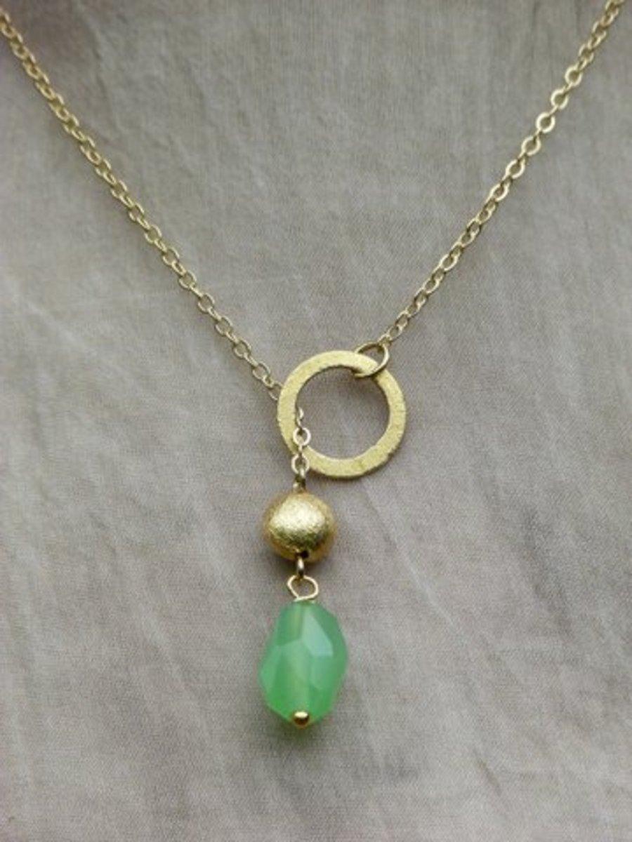 Kettingen todeezz jewels o mi gouden ketting met een aqua groen quartz steentje - Zomer keuken steen ...